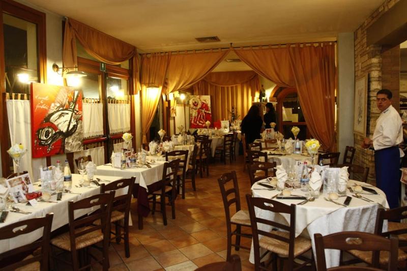 GIROGUSTANDO 2012La Trattoria L'Angolo ospita il Ristorante La Pineta (foto Fabio Di Pietro)